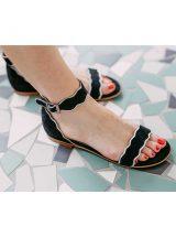 helia-sandale-plate-noire-argent-chaussure-sms-la-fee-louise-une