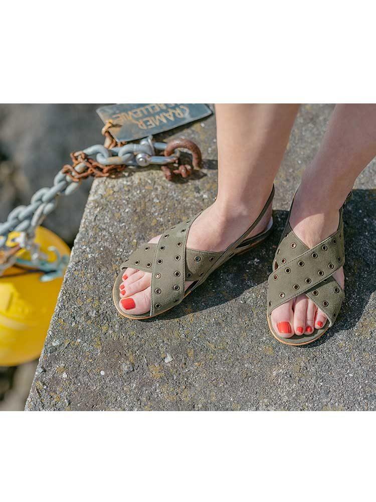 hemma-sandale-kaki-oeillet-croise-chaussure-sms-la-fee-louise-une