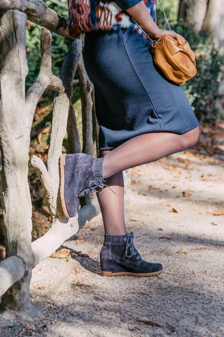 Luciana-bottine-compensee-bleu-cuir-velours-lacets-gaimo-la-fee-louise-une