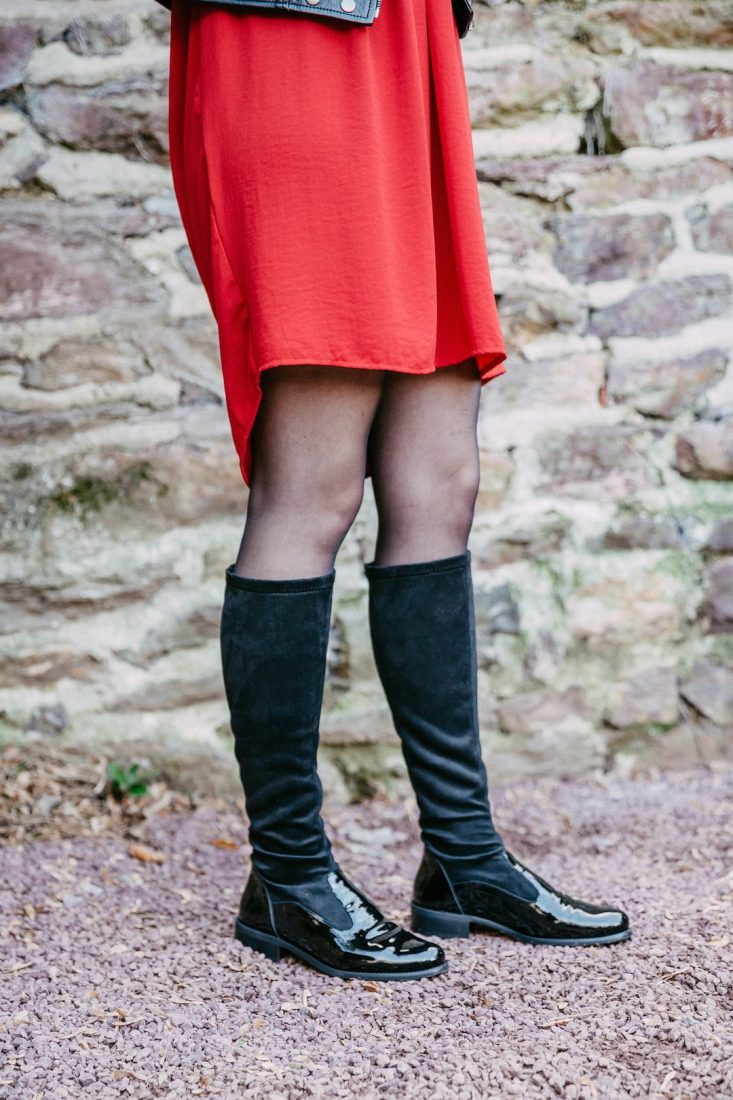 Noemie-botte-cavaliere-chaussette-noir-vernis-velours-folies-la-fee-louise-2