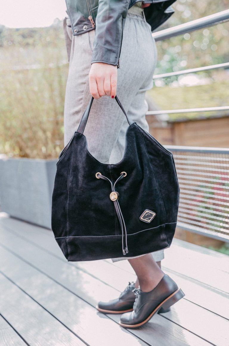 Nolwenn-sac-porte-epaule-cuir-noir-carmela-la-fee-louise-une