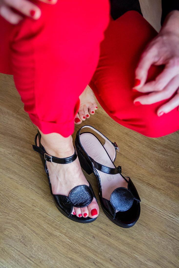 Safia-sandale-talons-vernis-noir-wonders-la-fee-louise-5