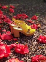 samantha-sandale-jaune-talon-bois-cuir-rond-cercle-wonders-la-fee-louise-3