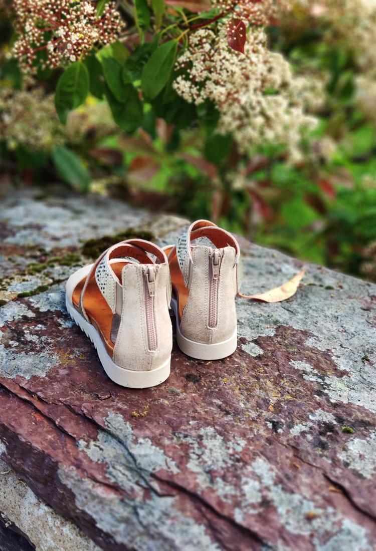 xana-sandale-cuir-dore-bastiani-la-fee-louise-4