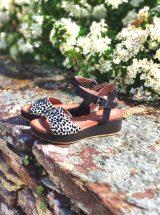 xenia-sandale-compensee-leopard-noir-sms-la-fee-louise-2