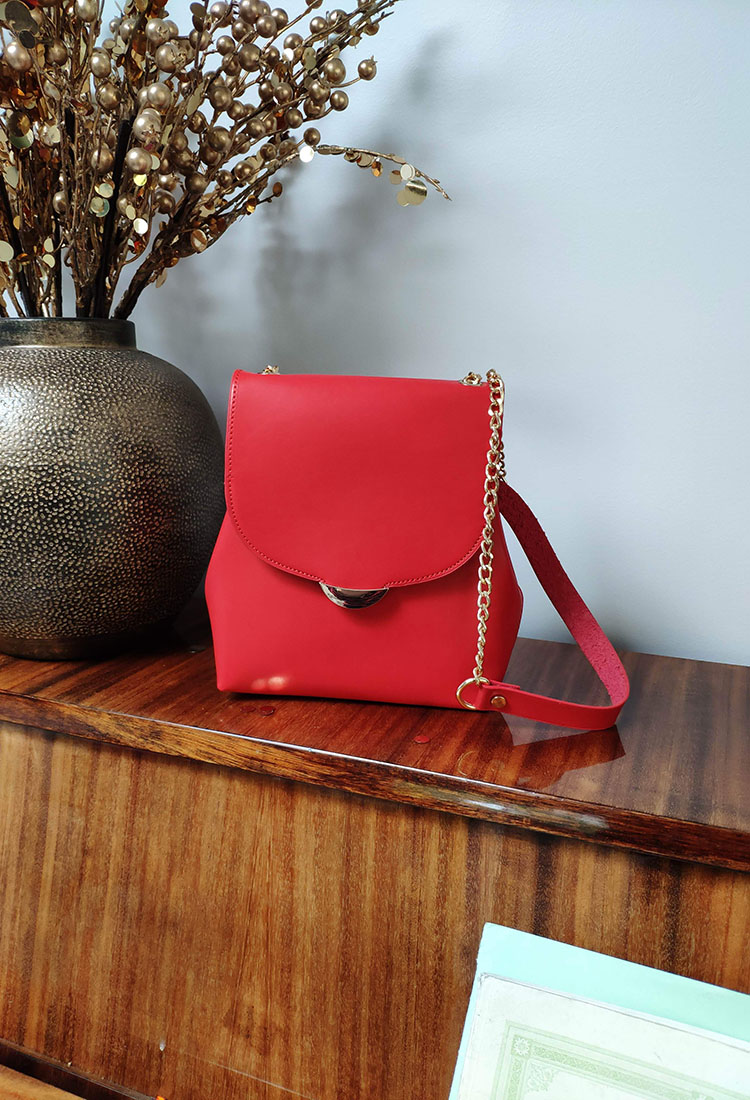 amelia-sac-cuir-bandouliere-chainette-or-rouge-la-fee-louise-1