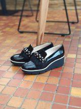 Edwige-mocassin-talon-cuir-vernis-noir-fourrure-strass-perle-gadea-la-fee-louise-1