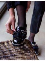 Edwige-mocassin-talon-cuir-vernis-noir-fourrure-strass-perle-gadea-la-fee-louise-3