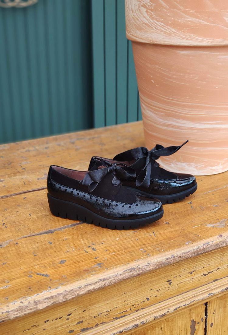 emi-derby-lacet-talon-noir-vernis-velours-cuir-wonders-la-fee-louise-1