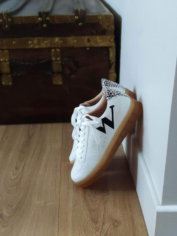 giani-basket-blanc-semelle-gomme-lettre-w-noir-imprime-guepard-bk2070-noir-vanessa-wu-la-fee-louise-3