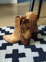 Galatee-bottine-cuir-camel-frange-alpe-la-fee-louise-3