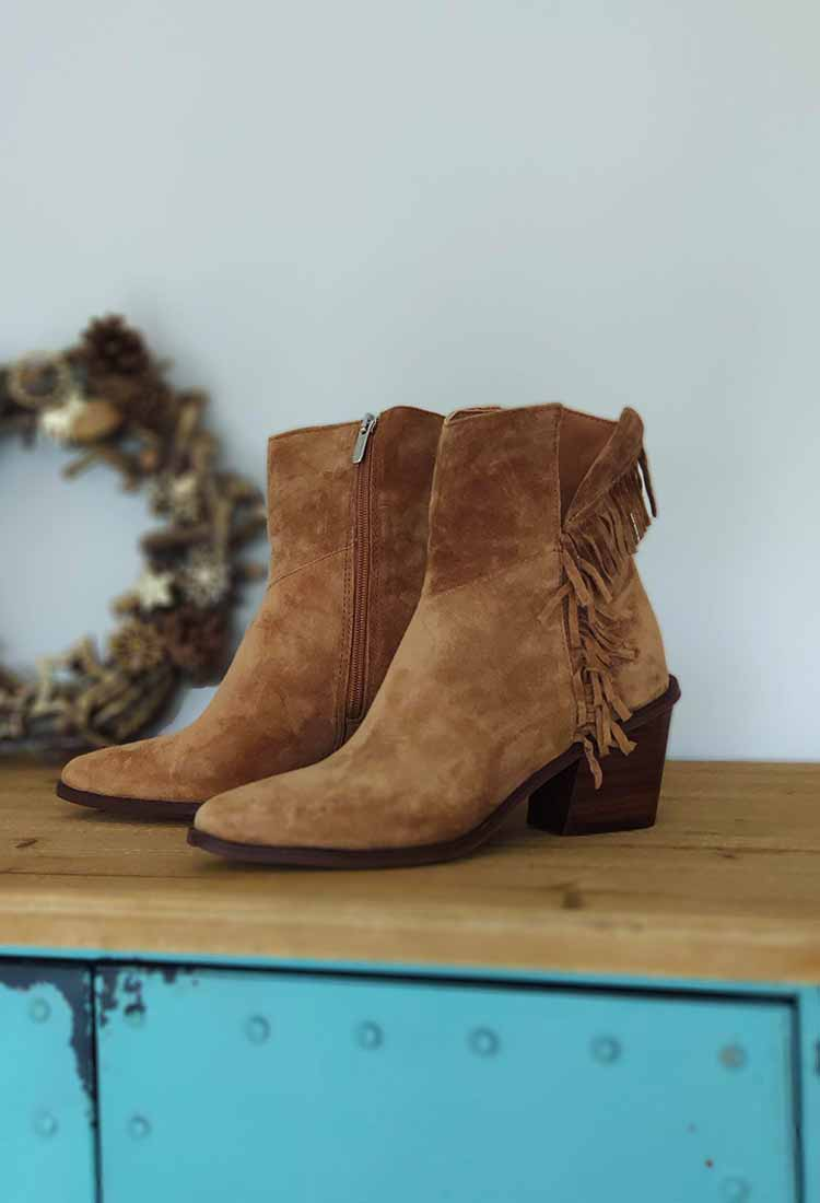 Galatee-bottine-cuir-camel-frange-alpe-la-fee-louise-5