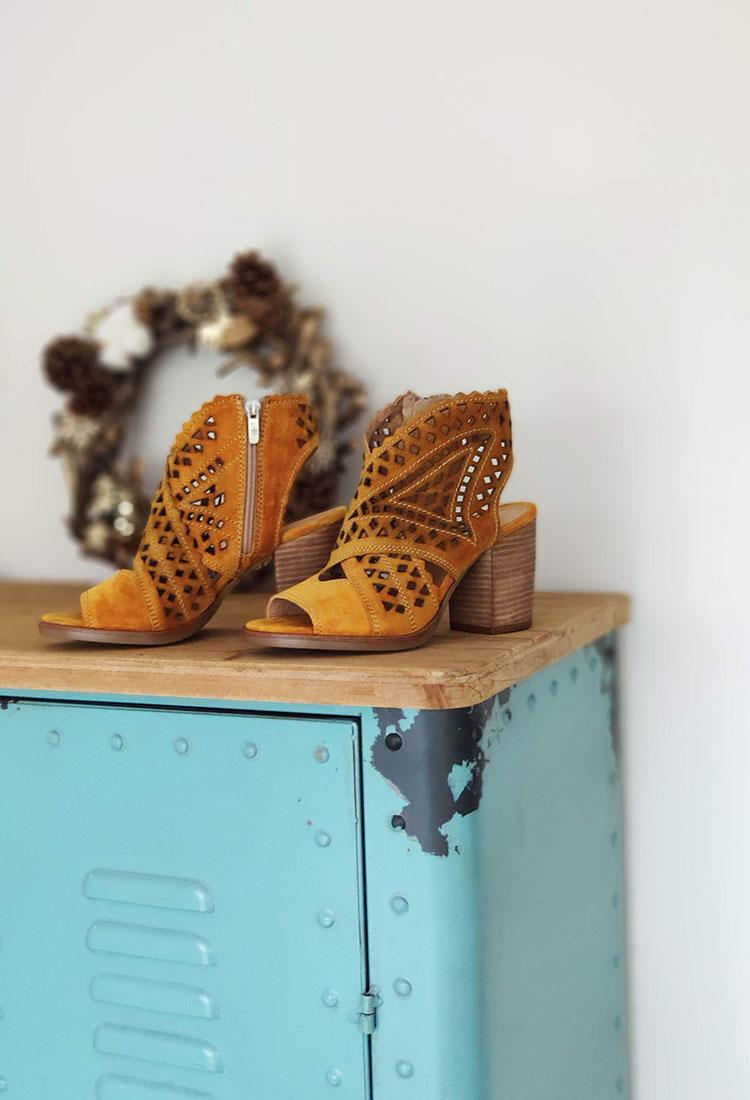 garcia-sandale-talon-croute-de-cuir-dentele-jaune-moutarde-alpe-rubino-la-fee-louise-3