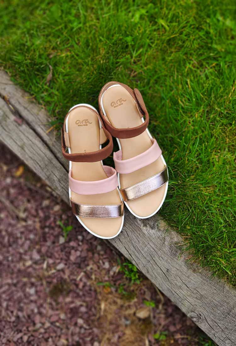 Johanna-sandale-rose-poudre-camel-cuivre-1214736-ara-rose-la-fee-louise-3