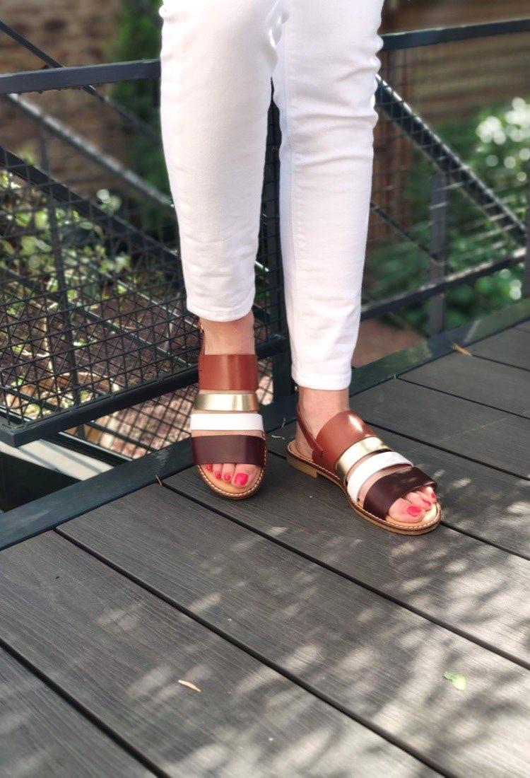 Klea-sandale-plate-marron-blanc-dore-misu-liberitae-la-fee-louise-03