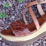 Luna-sandale-compense-cuir-tressage-marron-noir-porronet-la-fee-louise-1-06