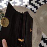 Beate-sac-noir-bandouliere-croco-simili-cuir-fermeture-pression-tamaris-la-fee-louise-1-04