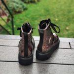Maeva-bottine-brillante-lacet-montante-fermeture-cuivre-cuir-rose-semelle-noir-ara-la-fee-louise-1-04