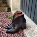 Marline-bottine-noir-decoupe-ecaille-cuir-bout-pointu-talon-carre-coupe-wonders-la-fee-louise-1-01