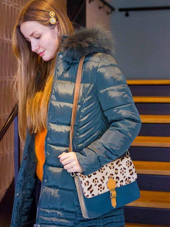 Noemie-sac-bandouliere-cuir-recycle-guepard-imprime-animal-vert-la-fee-louise-1-06