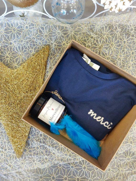 Box-8-bis-last-christmas-tshirt-bleu-bougie-bracelet-la-fee-louise-1