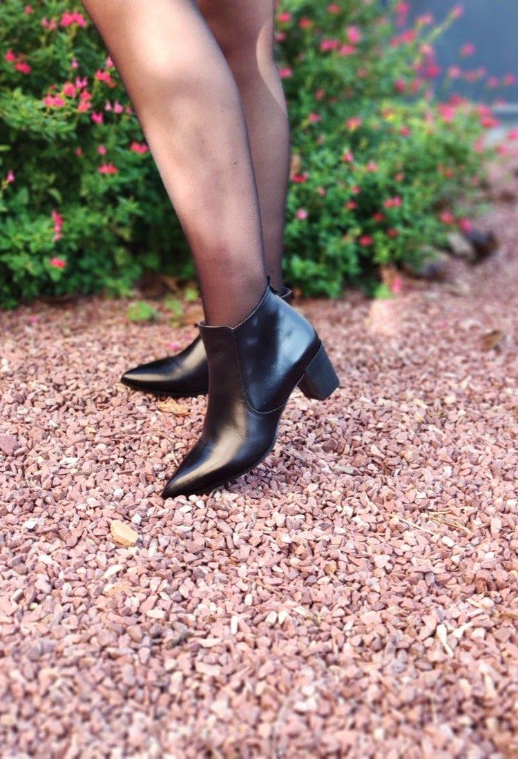 Natasha-bottine-talon-noir-cuir-bout-pointu-confortable-fermeture-interieur-O-folies-la-fee-louise-1-01
