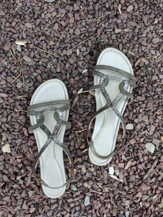 Merila-sandale-kaki-gris-glitter-elastique-sms-la-fee-louise-05