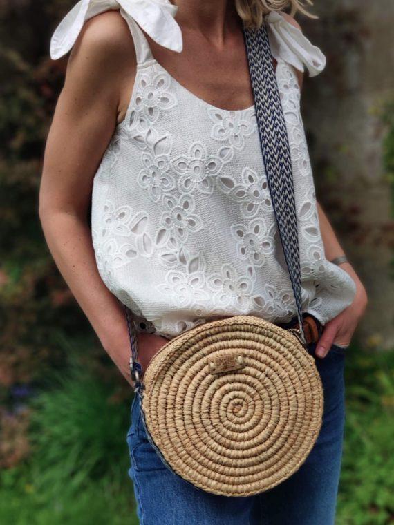 Rondivana-sac-rond-bandouliere-le-voyage-en-panier-l'atelier-du-crochet-la-fee-louise-17